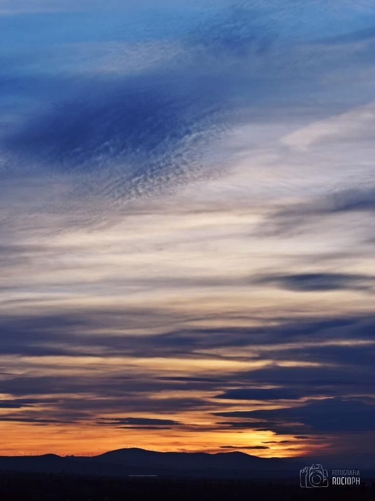 pinceladas en el cielo.JPG